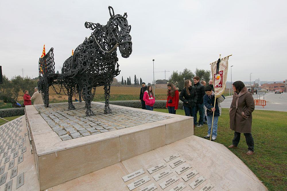 ok-cavall---.-monument-2014-(16)