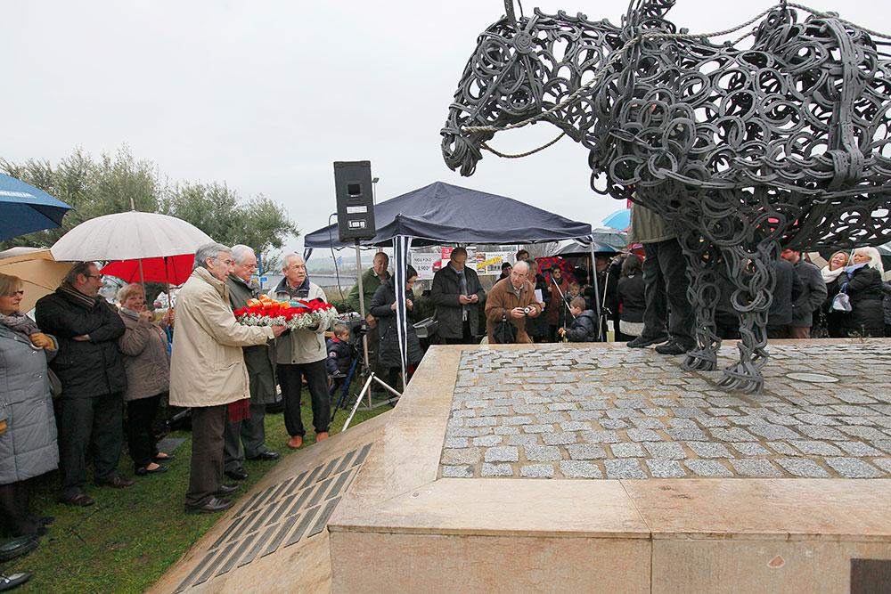ok-cavall---.-monument-2014-(70)