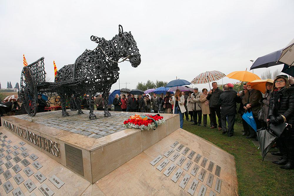 ok-cavall---.-monument-2014-(79)